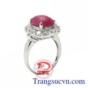Nhẫn nữ bạc ruby quý phái