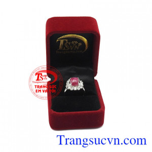 Nhẫn nữ bạc ruby quý phái được bảo hành uy tín, giao hàng toàn quốc.