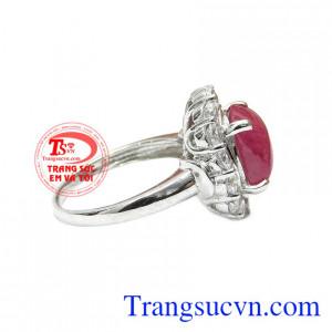Sản phẩm kết hợp bạc và ruby thiên nhiên mang đến cho người dùng một sản phẩm hoàn hảo với giá thành ưu đãi. Nhẫn nữ bạc ruby quý phái