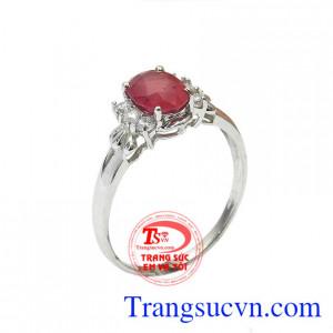 Nhẫn nữ bạc ruby kiêu sa