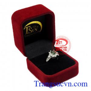 Thích hợp làm quà tặng cho người thân và bạn bè,Nhẫn nữ bạc Sapphire quý phái
