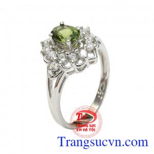 Nhẫn nữ bạc Sapphire sang trọng