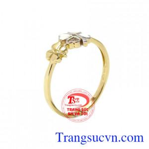Nhẫn nữ cỏ bốn lá đẹp