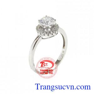 Nhẫn nữ vàng trắng kiêu kỳ