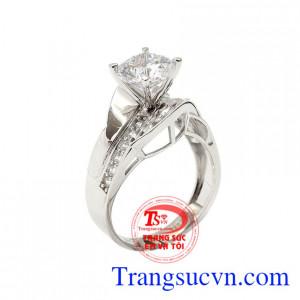 Nhẫn nữ vàng trắng quyến rũ