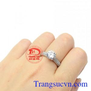 Nhẫn nữ vàng trắng thanh thoát vàng 10k tinh tế.