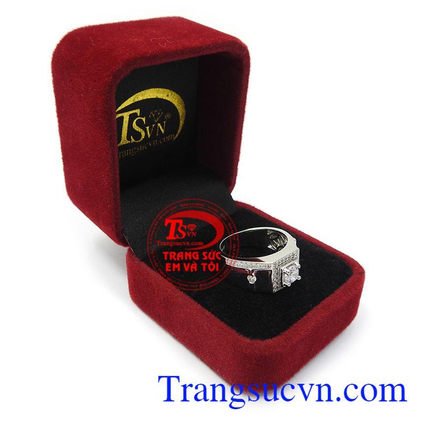 Sản phẩm phù hợp nhiều phong cách thời trang và trang phục, là lựa chọn tuyệt vời cho bản thân. Nhẫn nam vàng trắng quyền uy