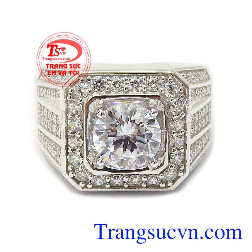 Với kiểu dáng độc đáo, gắn đá tinh xảo phù hợp xu thế thời trang và trang sức hiện đại Nhẫn nam vàng trắng tài lộc