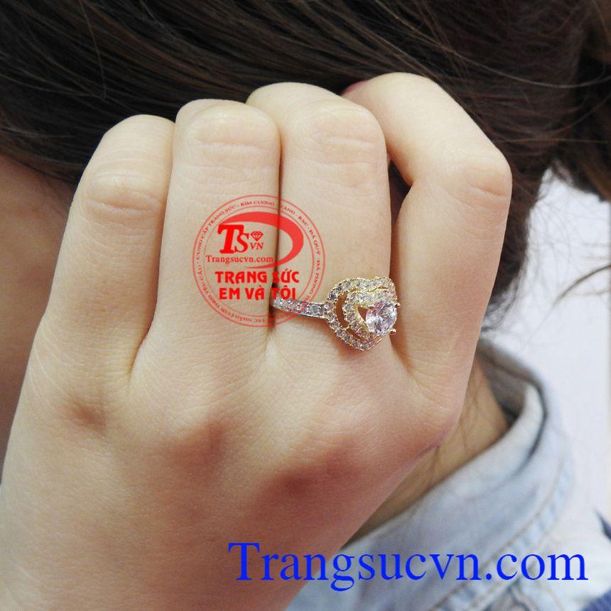 Nhẫn nữ vàng thời trang cá tính là xu hướng thời trang hiện đại cho phái đẹp