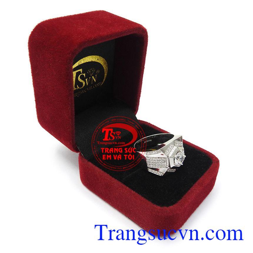 Nhẫn nam phù hợp phong cách thời trang và trang phục, là sự lựa chọn tuyệt vời cho chính bạn Nhẫn vàng trắng nam quyền lực