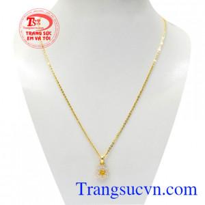Bộ mặt dây Sapphire hoa vàng