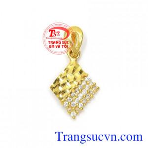 Mặt dây nữ vàng phong cách
