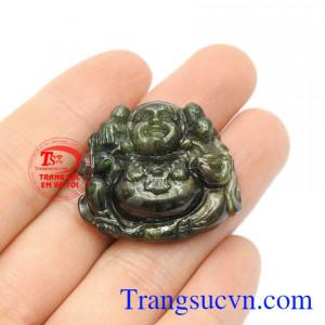 Viên đá này còn mang lại nhiều lợi ích về phong thủy mang lại điềm lành cho gia chủ.