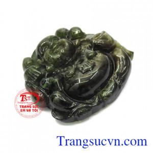 Đá Sapphire là loại đá đã quá quen thuộc khi được dùng làm các món đồ trang sức đắt tiền, sang trọng.