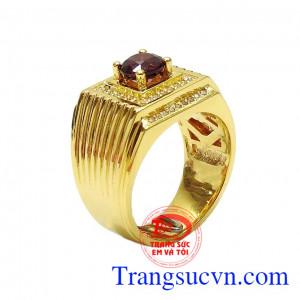 Nhẫn nam Garnet quý ông là sản phẩm được chế tác tinh tế từ vàng 14k và đá Garnet thiên nhiên,Nhẫn nam Garnet quý ông