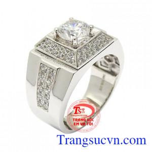 Nhẫn nam vàng trắng bình an gắn đá CZ cao cấp mang lại sự hài hòa, tinh tế cho từng đường nét sản phẩm