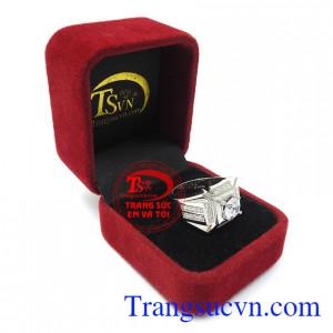 Nhẫn nam vàng trắng thiết kế theo công nghệ hiện đại, là sự lưa chọn tuyệt vời cho phái mạnh