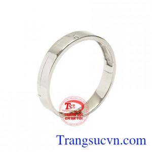 Nhẫn nam vàng trắng phú quý được chế tác từ vàng 18k, là một sản phẩm mới của Trang sức Em và Tôi