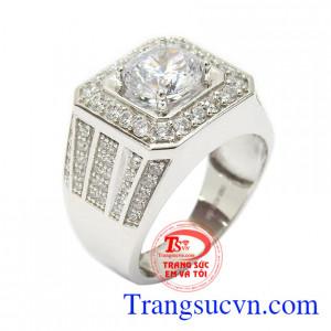 Nhẫn nam vàng trắng tài lộc gắn đá CZ tinh tế, sắc nét mang lại sự lịch lãm, sang trọng và thời trang cho phái mạnh