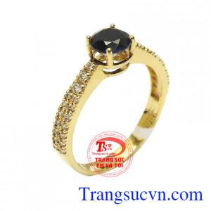 Nhẫn nữ vàng sapphire tài lộc