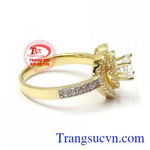 Nhẫn nữ vàng là dòng sản phẩm rất được ưa chuộng hiện nay, là biểu tượng cho tình yêu hạnh phúc lứa đôi