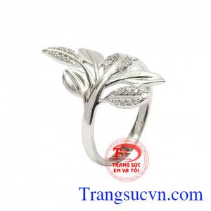 Nhẫn nữ vàng trắng trang nhã
