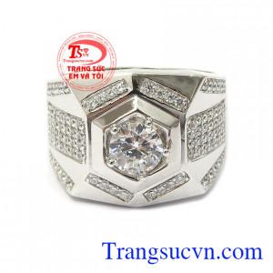 Nhẫn nam vàng trắng đang là dòng sản phẩm rất được phái đẹp ưa chuộng hiện nay Nhẫn vàng trắng nam quyền lực