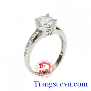 Nhẫn vàng trắng tình yêu nhiệm màu