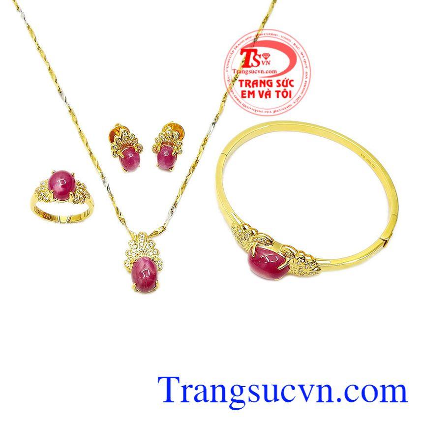 Bộ trang sức ruby sao lấp lánh