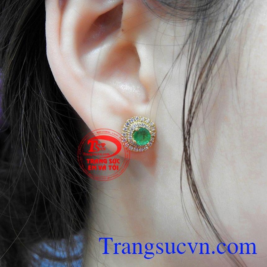 Hoa tai nữ Emerald sang trọng vàng 14k thu hút ánh nhìn.
