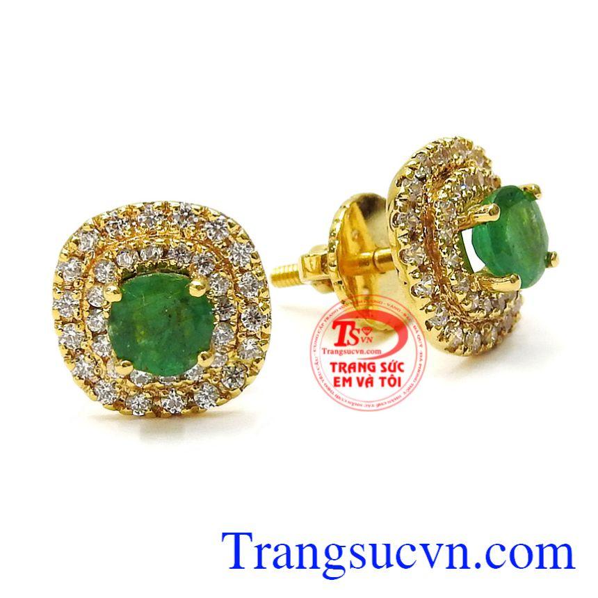 Từ lâu nay, đôi bông tai là món trang sức quen thuộc với nữ giới nhưng ít ai biết được những công dụng mà nó mang lại. Hoa tai nữ Emerald sang trọng