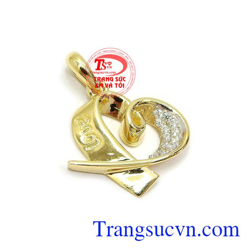 Sản phẩm đeo phù hợp nhiều loại dây chuyền tôn lên sự dịu dàng, duyên dáng và phong cách cho người đeo