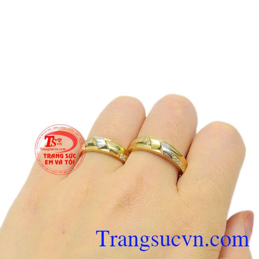 Nhẫn cưới vàng thời trang giao hàng tận tình, uy tín.
