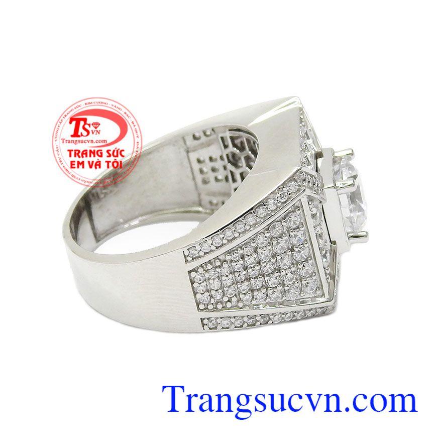Nhẫn nam vàng trắng phá cách mang lại cho phái mạnh sự lịch lãm và phong cách riêng,Nhẫn nam vàng trắng phá cách