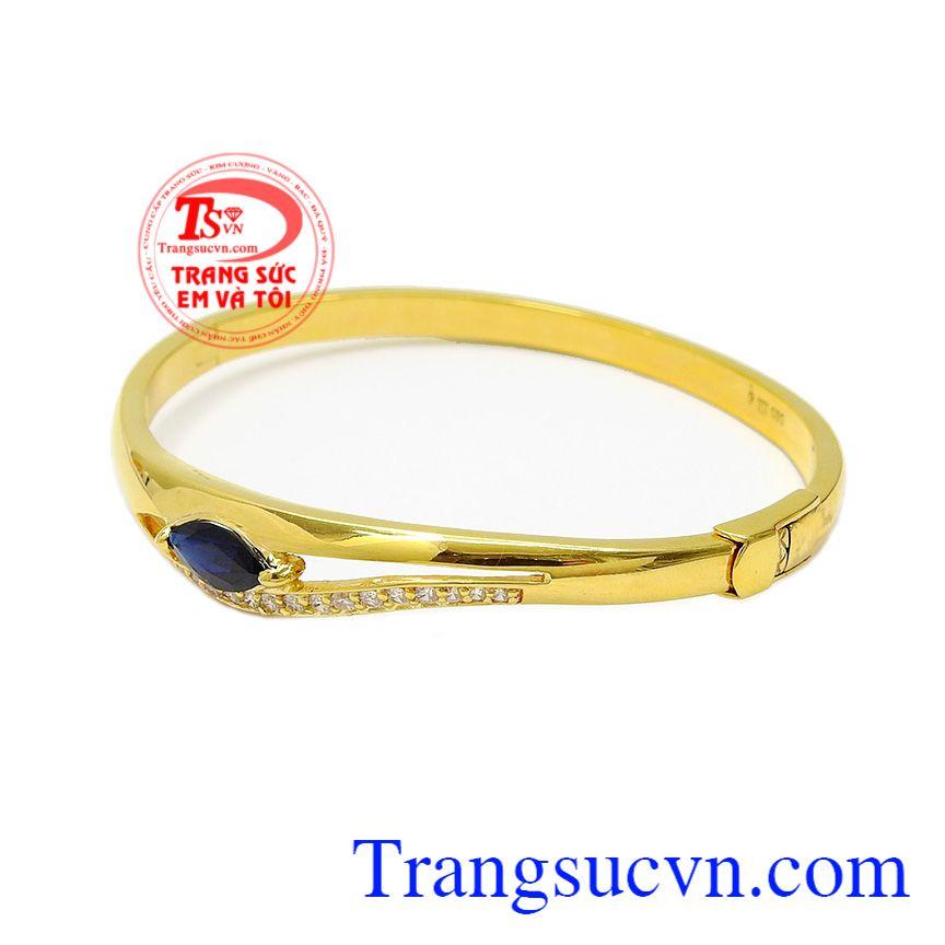 Sự kết hợp giữa đá Sapphire xạnh và vàng tây 14k mang lại một sản phẩm vừa hợp thời trang lại hợp cả phong thủy,Vòng tay Sapphire độc đáo
