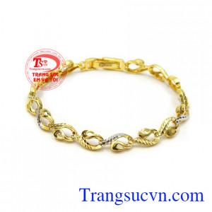 Lắc tay nữ vàng xinh xắn