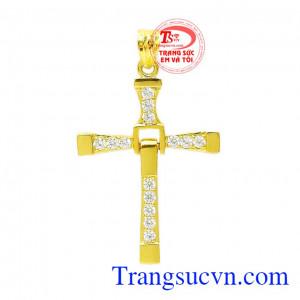 Mặt thánh giá vàng thịnh vượng là một sản phẩm mới của trang sức Em và Tôi mang lại sự bình an, may mắn cho phái mạnh.