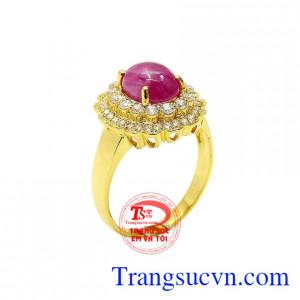 Nhẫn nữ ruby nữ hoàng
