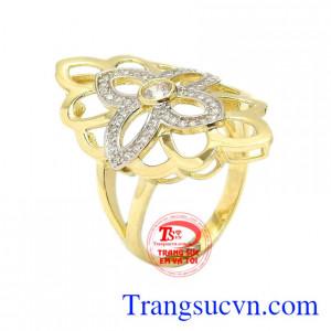 Nhẫn nữ vàng cách điệu