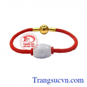 Vòng tay lu thống Jadeite may mắn là sản phẩm được chế tác tỉ mỉ từ ngọc cẩm thạch thiên nhiên kết hợp cùng vòng đỏ may mắn,Vòng tay lu thống Jadeite may mắn