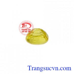 Sapphire vàng thiên nhiên màu sắc đẹp, chất lượng cao, có giấy kiểm định đá quý kèm theo.