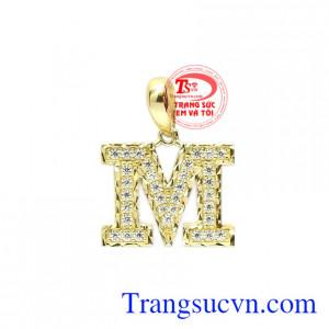 Mặt dây chữ M trẻ trung