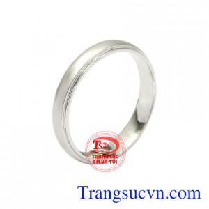 Nhẫn vàng trắng xu hướng mang đến phong cách thời trang không chỉ đơn giản mà khiến người đeo khẳng định bản thân.