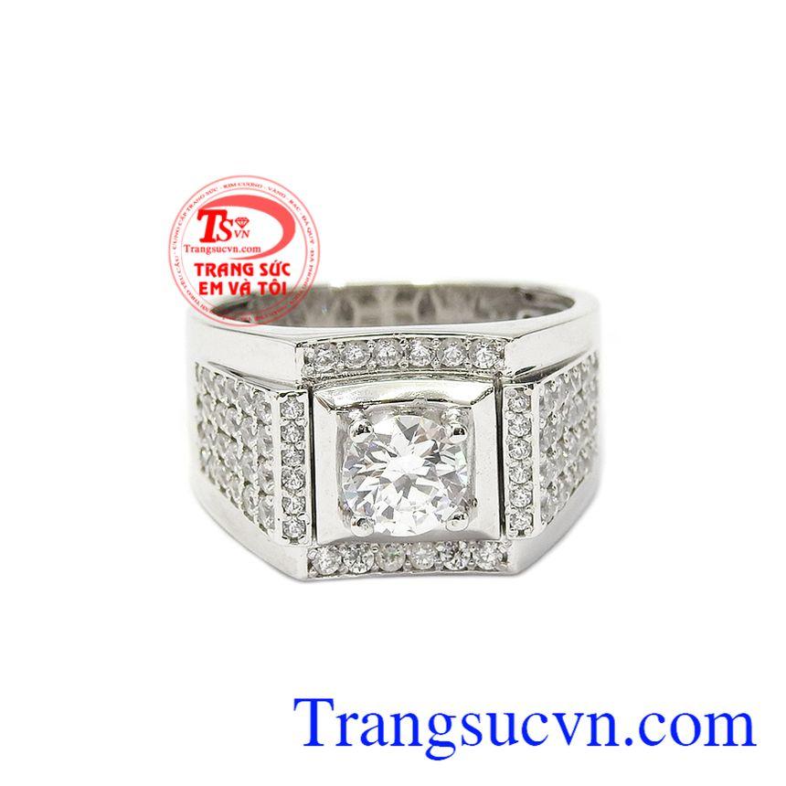 Nhẫn nam vàng trắng bản lĩnh được nhập khẩu từ Hàn Quốc, chế tác bền đẹp với chất liệu vàng trắng 18k.