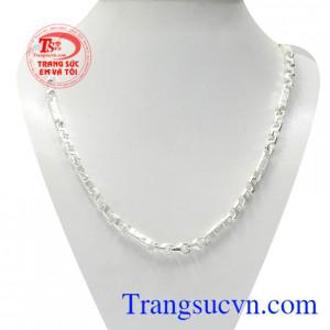 Dây chuyền bạc nike tinh tế là sản phẩm thời trang giúp cho phái mạnh thể hiện cá tính, khẳng định phong cách.