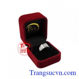 Ngày nay, trang sức không chỉ giới hạn dành cho phái nữ mà ngay cả phái nam cũng có nhu cầu sử dụng. Nhẫn nam vàng trắng công tử