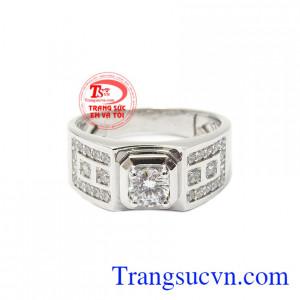 Nhẫn nam vàng trắng thành đạt là món đồ trang sức không thể thiếu với phái mạnh.