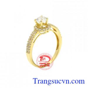Nhẫn nữ vàng rực rỡ