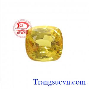 Sapphire vàng là viên đá hàng đầu được giới kinh doanh cực ưa chuộng bởi khả năng thu hút tài lộc,Viên Sapphire vàng chiêu lộc