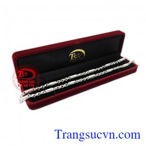 Dây chuyền bạc nam phong độ được phái mạnh yêu thích và lựa chọn.
